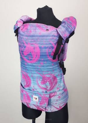 Freely Grow My Little Unicorn Madeleine sensimo slings baby carrier