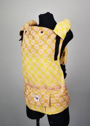 Freely Grow Margarethe Happy sensimo slings baby carrier