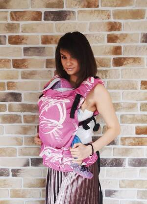 Freely Grow Dolphins Pink sensimo slings baby carrier