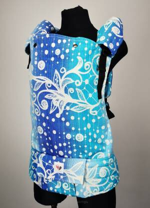 Freely Grow Romantica Snowflake Sensimo Slings baby carrier